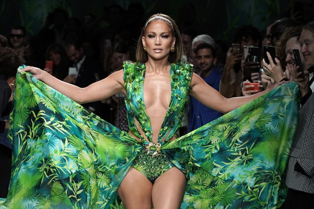 Jennifer Lopez & Shakira Joining Forces for Super Bowl Halftime Performance