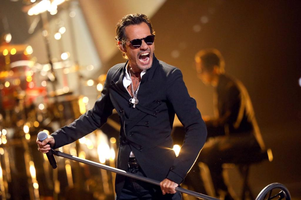 Marc Anthony Honors Kobe Bryant at His Concert