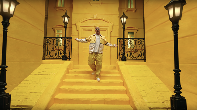 J Balvin – Amarillo (Official Video)