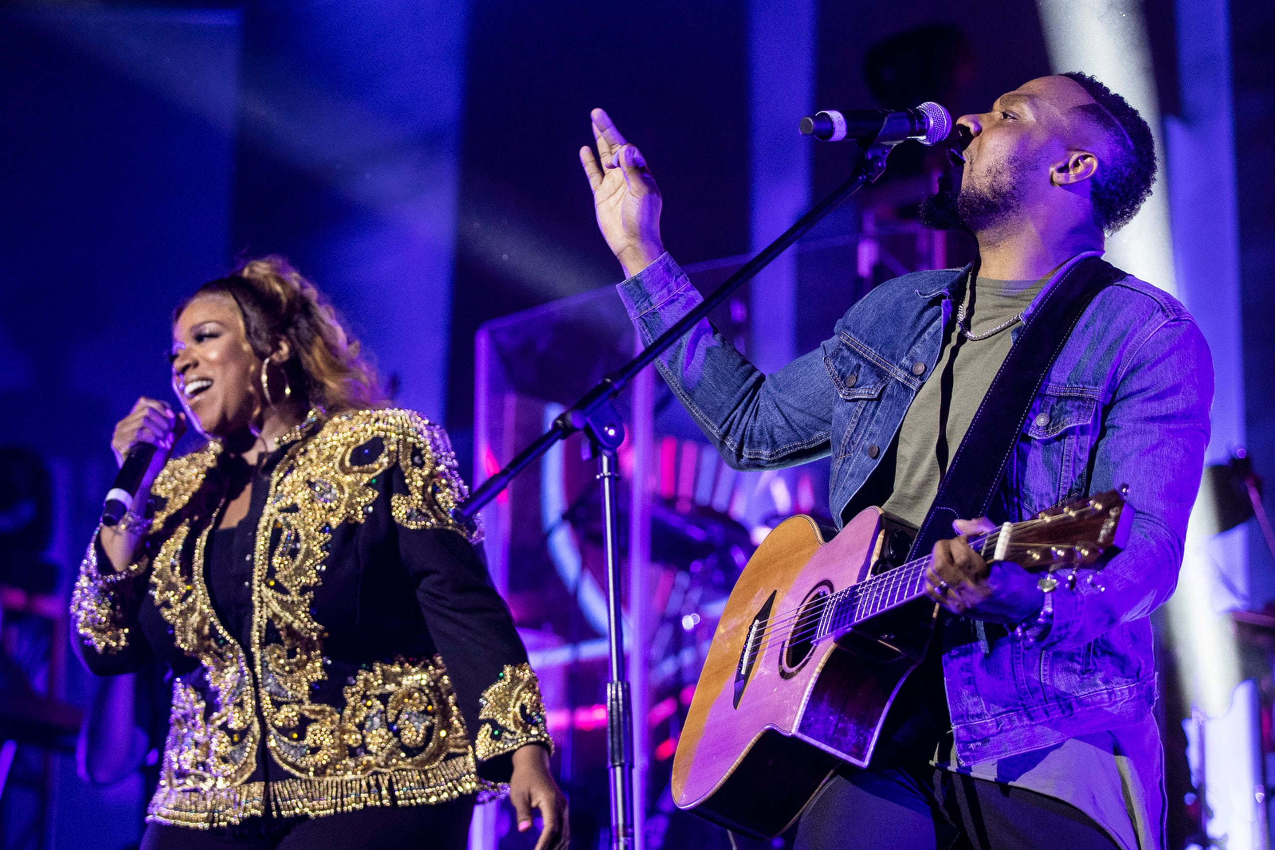 """Todd Dulaney And Kierra Sheard Get Closer To God With New Song """"Come A Little Closer"""""""