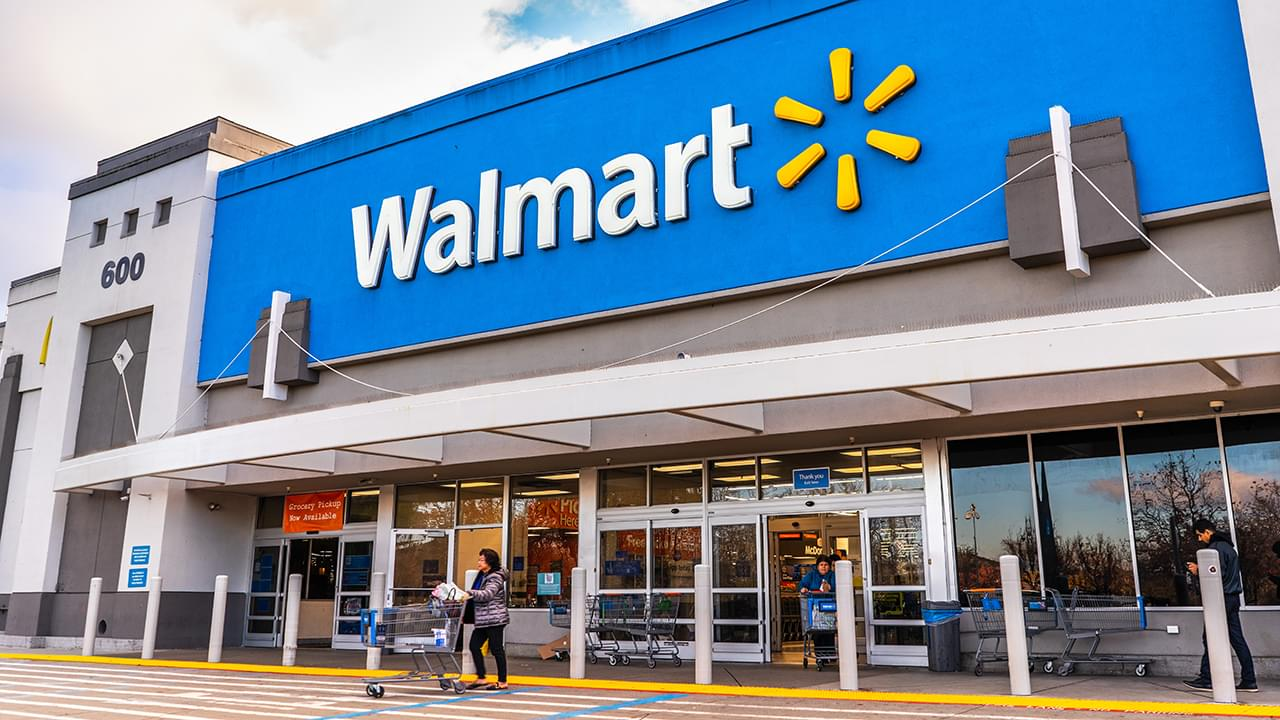 Walmart announces free Thanksgiving dinner for everyone