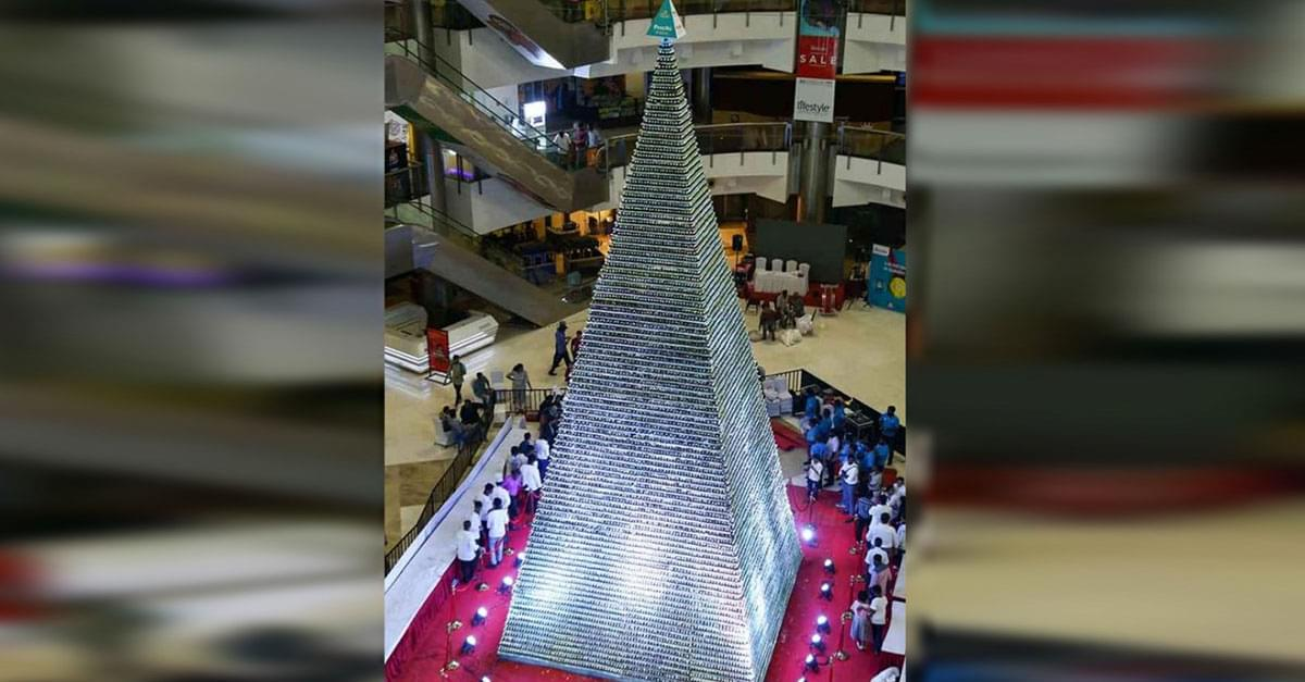 World's Largest Tower of Cupcakes Created in India