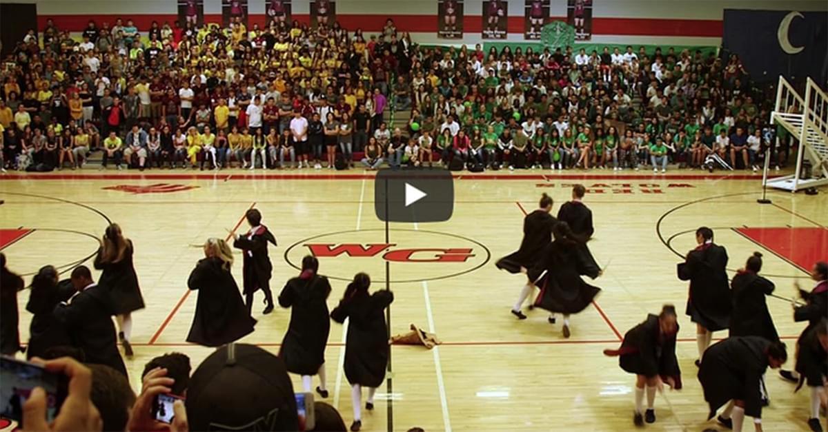 Coreografía extraordinaria de estudiantes con tema de Harry Potter