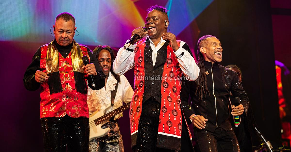 Pics: Earth, Wind, & Fire in Raleigh