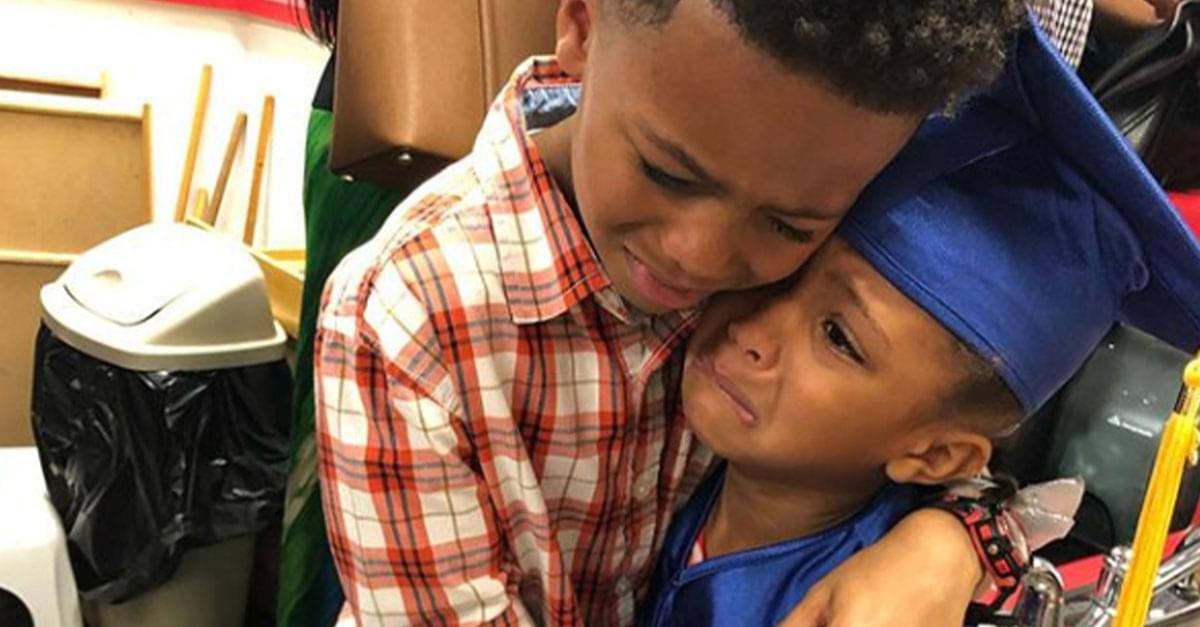'I'm just so happy': Sweet Sibling Photo Goes Viral