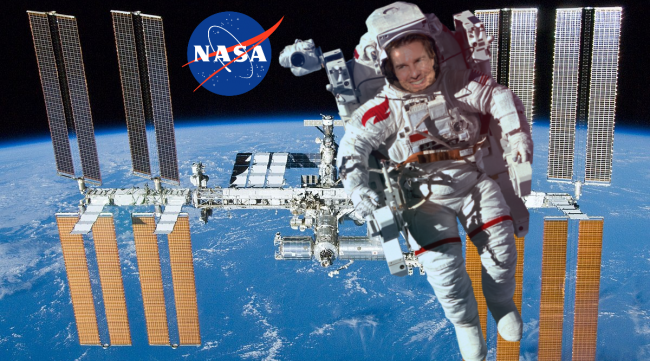 Tom Cruise Films in Space