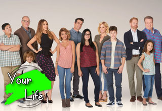 Win a $250 Visa Gift Card from CW's Modern Family
