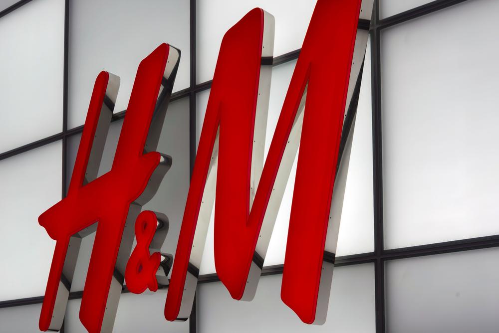 "H&M Apologizes for Black Child Wearing ""Coolest Monkey"" Sweatshirt"