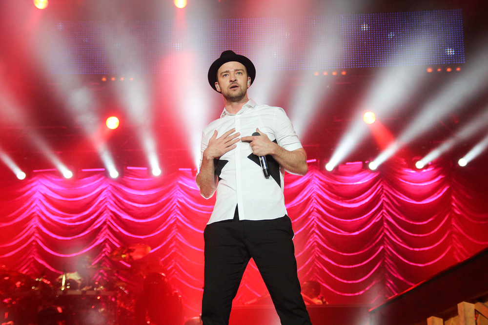 Fans React to Justin Timberlake's Prince Tribute