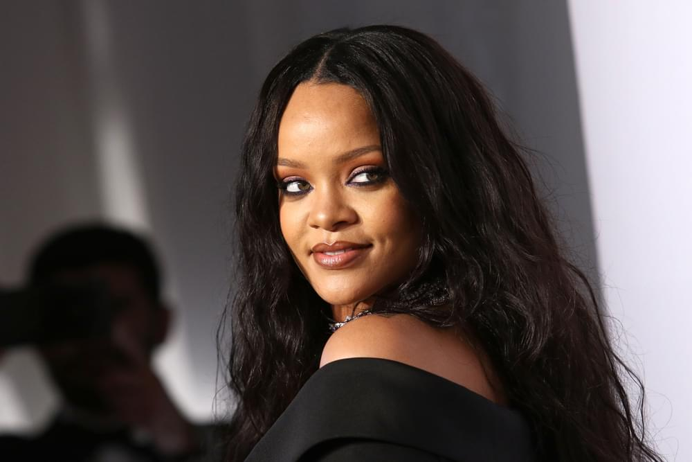Rihanna Reportedly Decline Super Bowl LIII Halftime Show Offer in Support of Colin Kaepernick