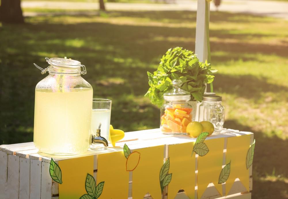Teen Robs Lemonade Stand at Gunpoint