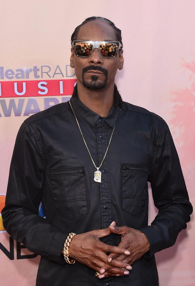 Snoop Dogg Announces Cookbook 'From Crook to Cook'