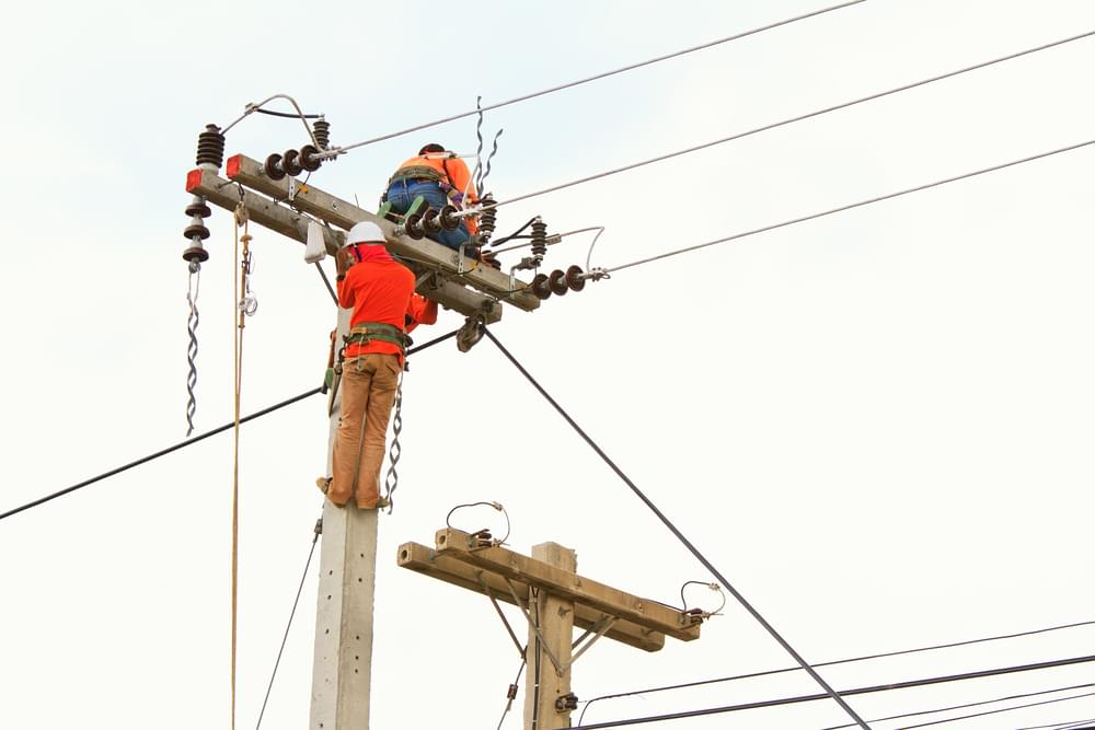 Power Out in Kinston, Crews Suspended Due to Wind Gusts