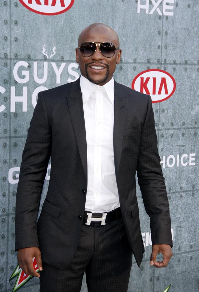 Mayweather Seriously Considering Fighting Pacquiao Again