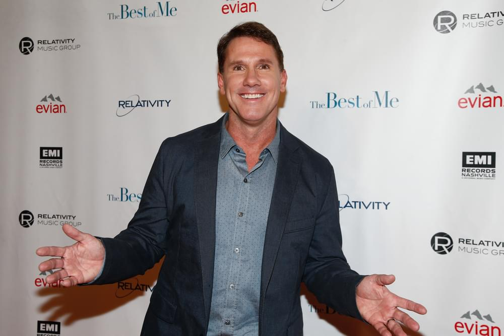 Nicholas Sparks Signing Books in New Bern on Tuesday!