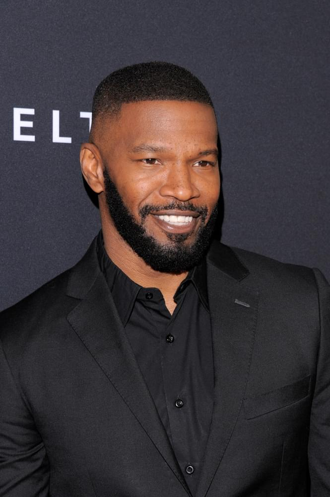 """Jamie Foxx Shows Improv Greatness During Live Audience """"All in the Family"""" & """"Jefferson"""" Re-Creation"""