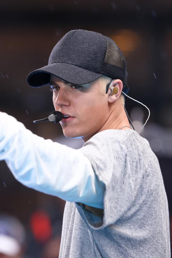 Justin Bieber Randomly Challenges Tom Cruise to a Fight