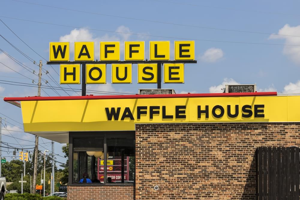 Man Shoots Waffle House Cook For Refusing to Serve Him Without A Mask