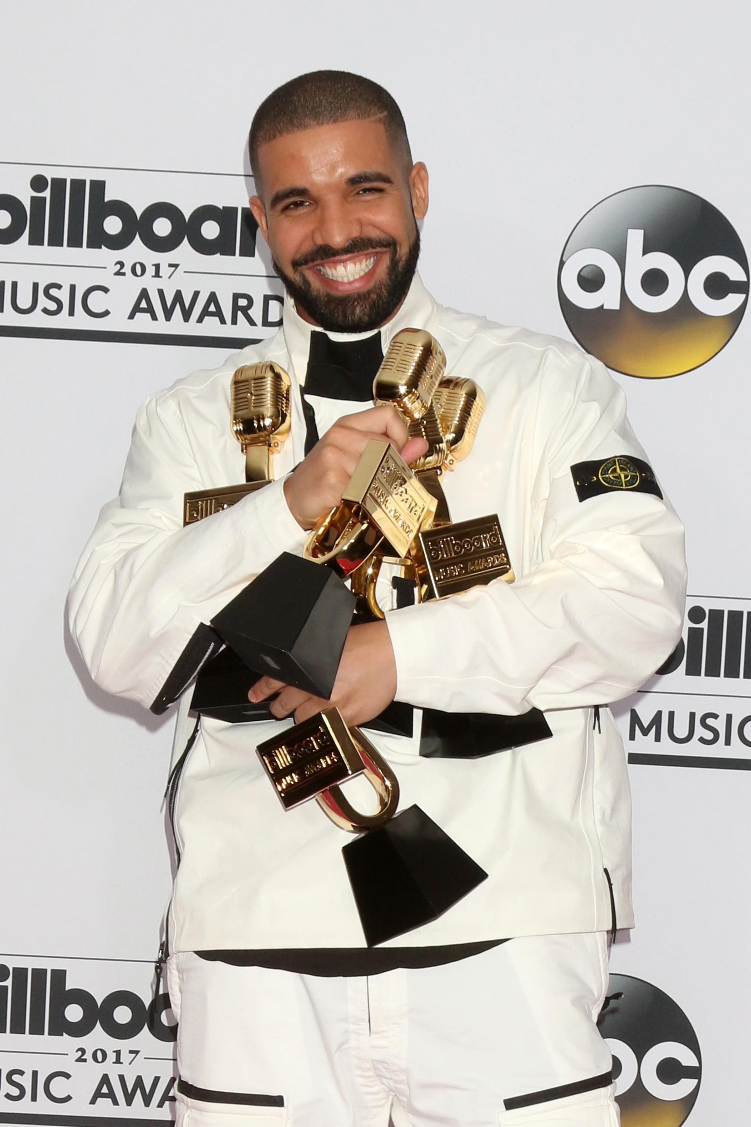 Drake Now Has More #1 Hits Than Your Favorite Legend