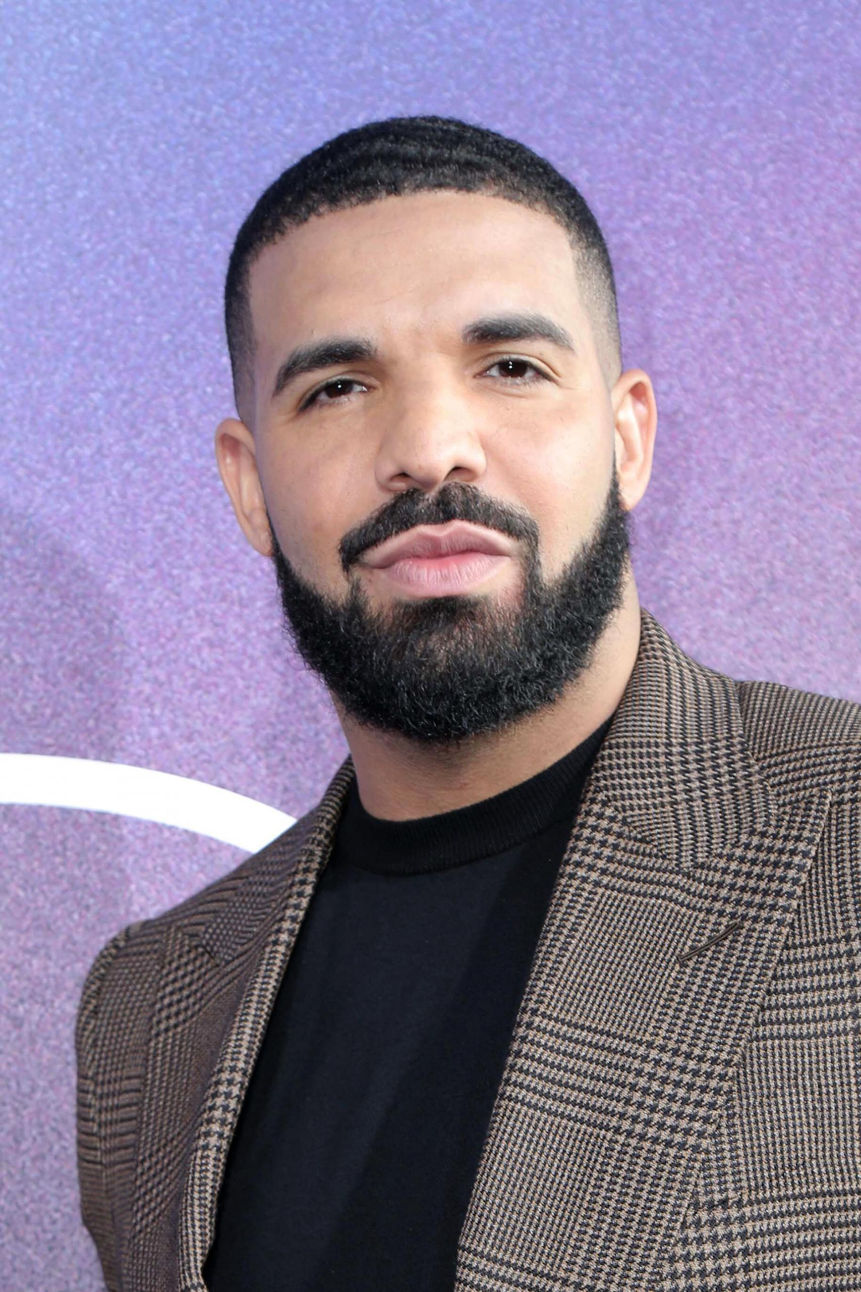 "Drake Fires Shots At Kanye West On His ""Certified Lover Boy"" Album!"