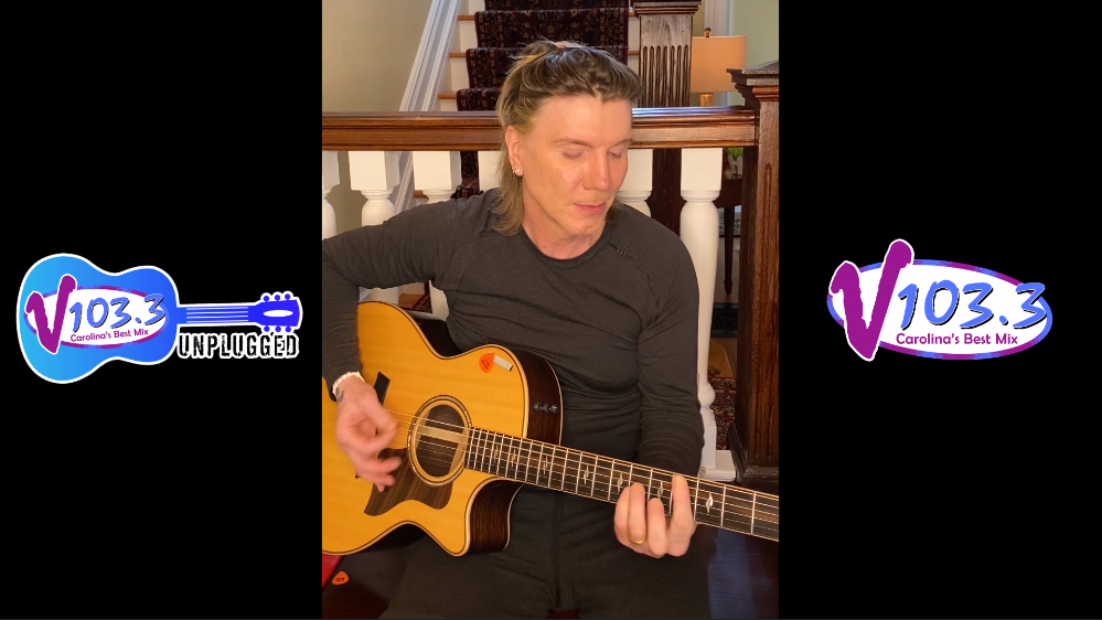 Watch Johnny From Goo Goo Dolls Perform a Mini Concert For Us!
