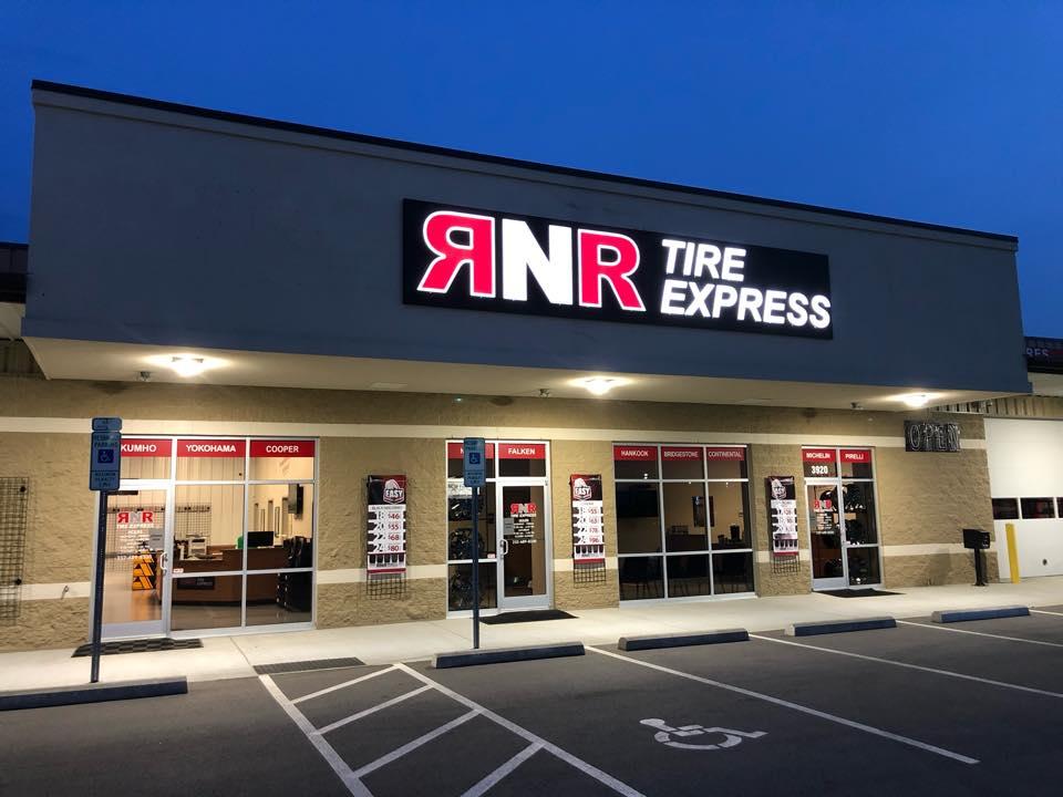 WSFL@ RNR Tire Express, Greenville