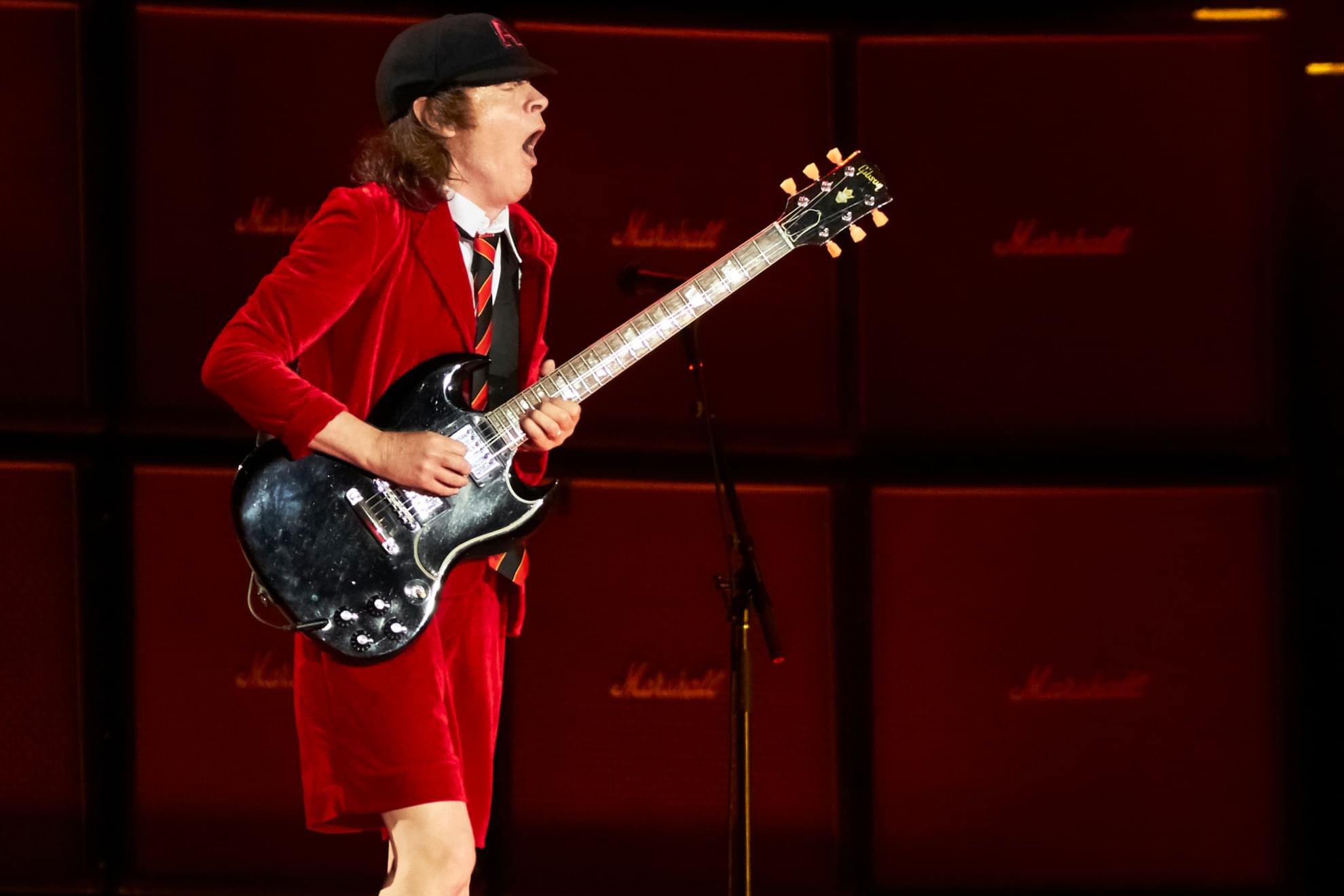AC/DC – Shot In The Dark (Official Music Video)