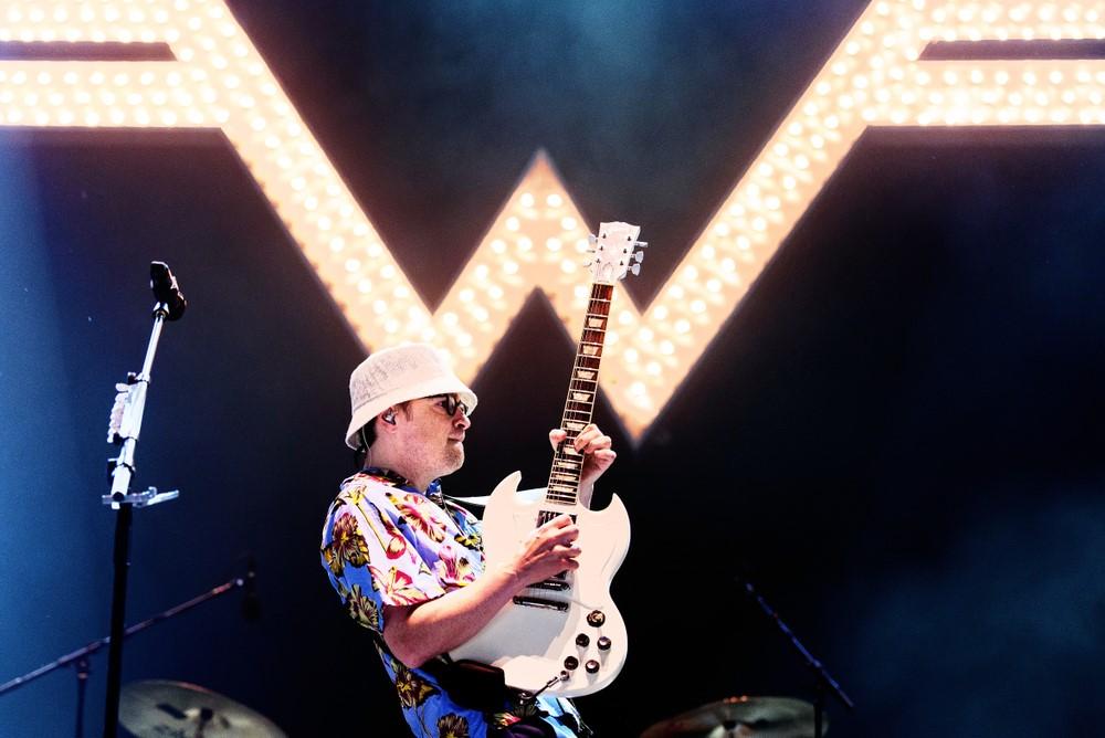 Weezer Does Their Take on Metallica's 'Enter Sandman' For The Metallica Blacklist
