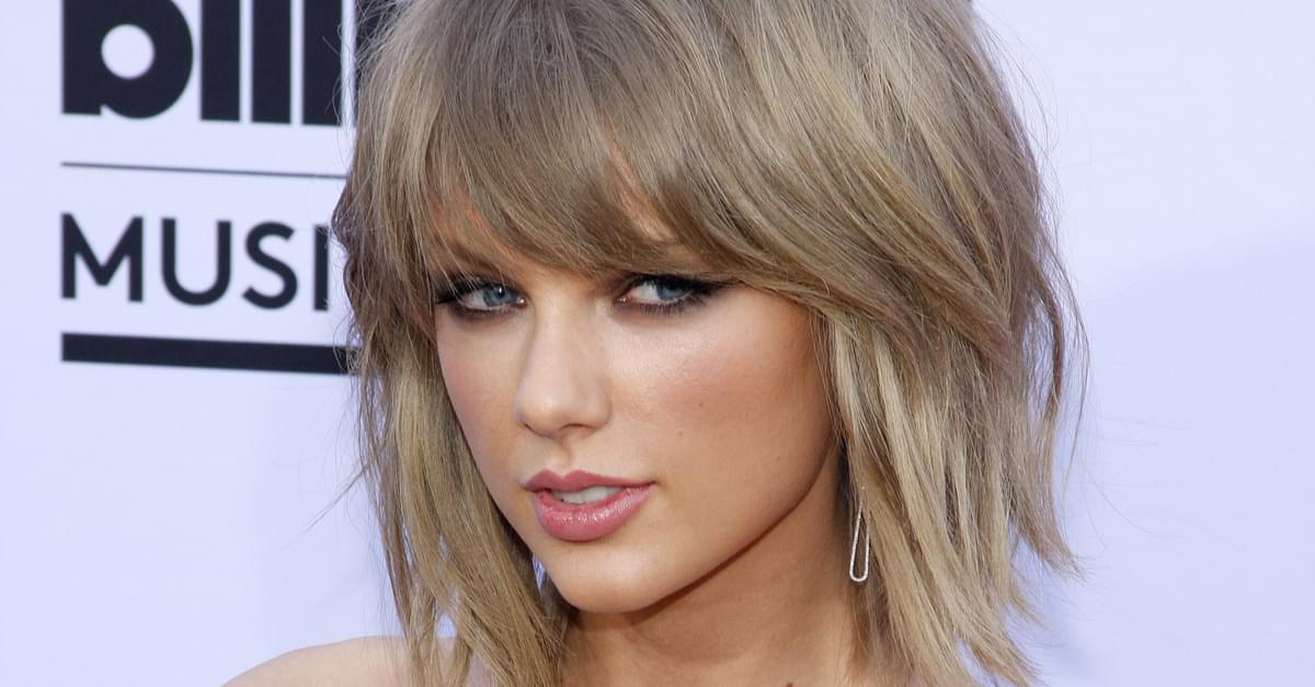 Taylor Swift Falling N' Singing