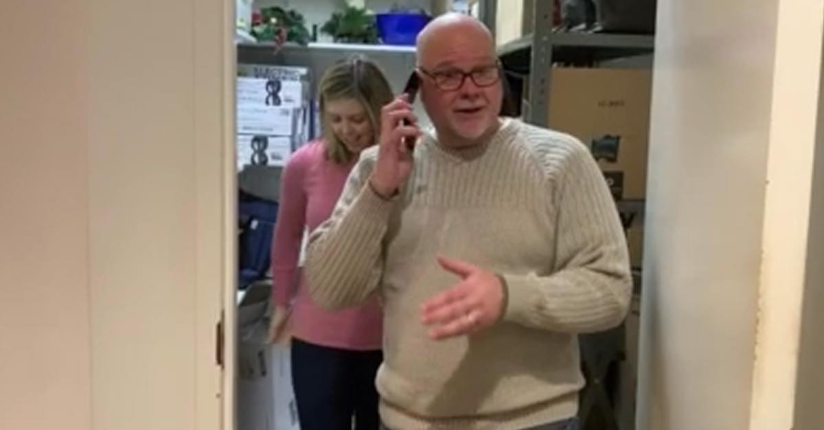 Mike & Janie take the QDR #FlipPhoneChallenge