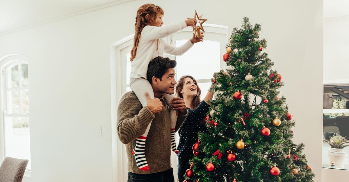 Expert Says Decorating early for Christmas makes you Happier