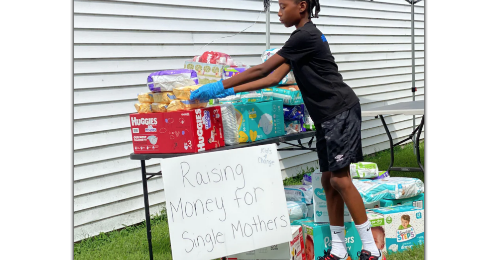 Virginia 6th Grader Sells Lemonade to Help Moms in Need