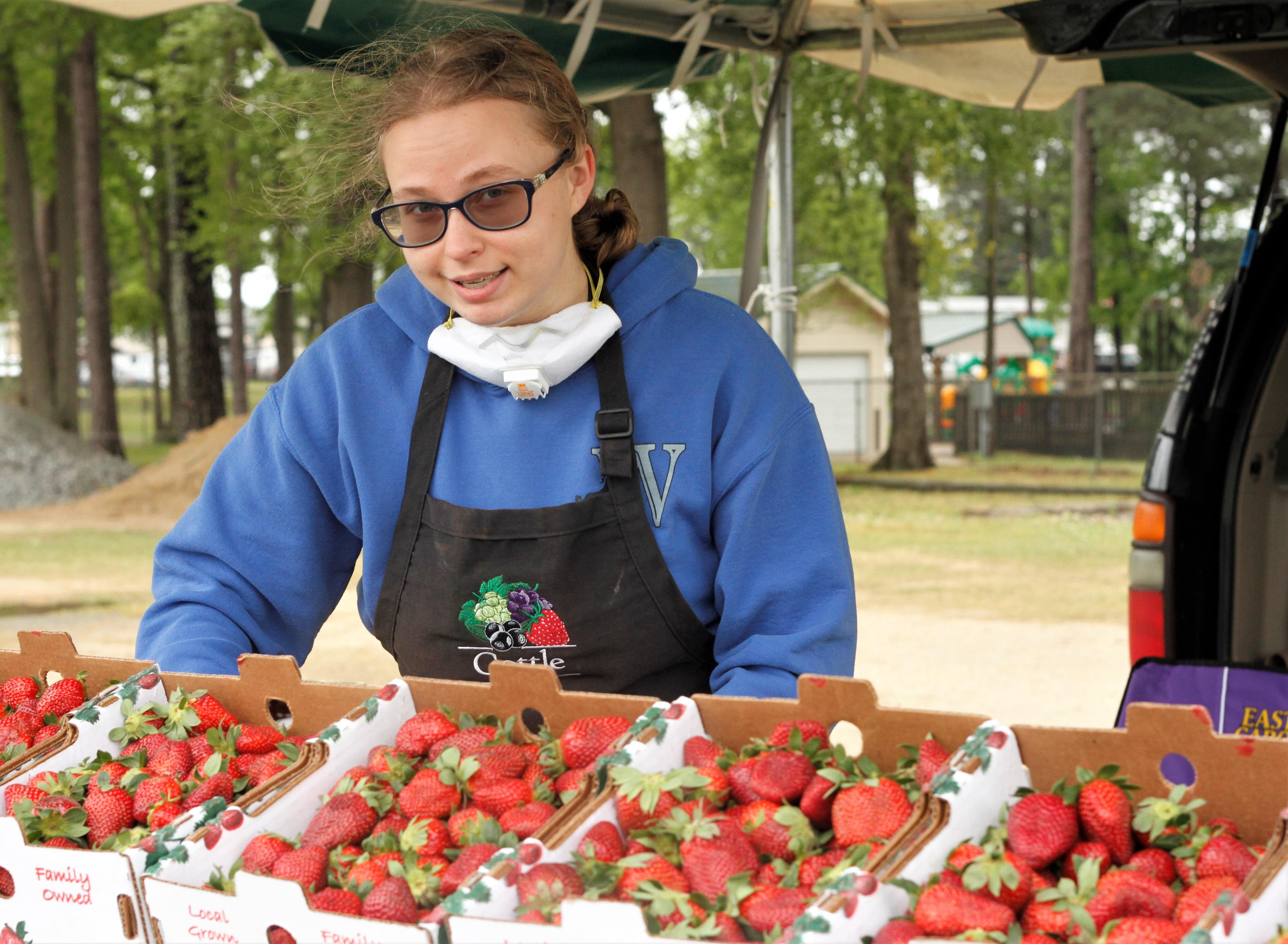 PIC OF THE DAY: Strawberry Season Starts