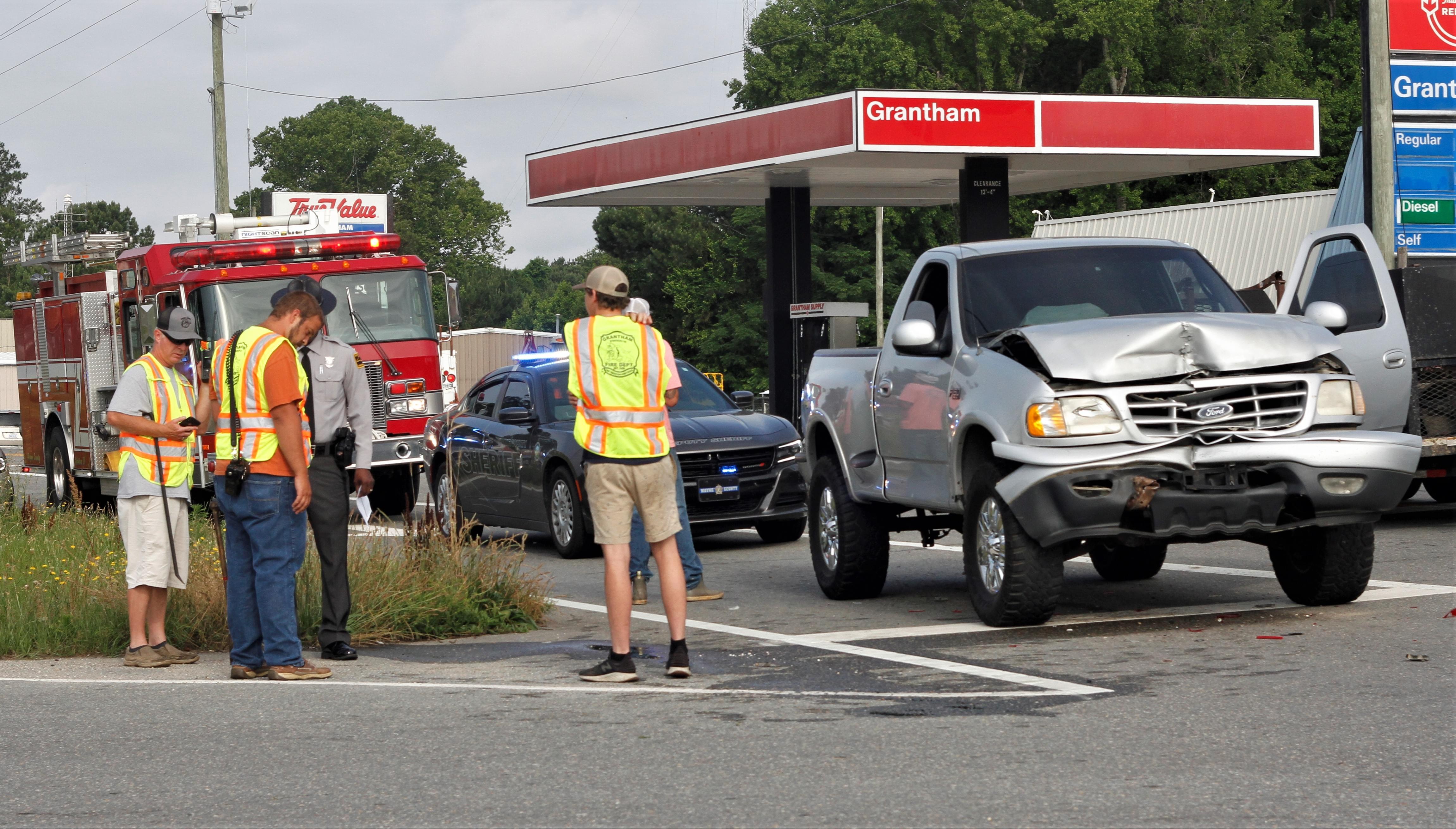 Pickup Trucks Collide In Grantham
