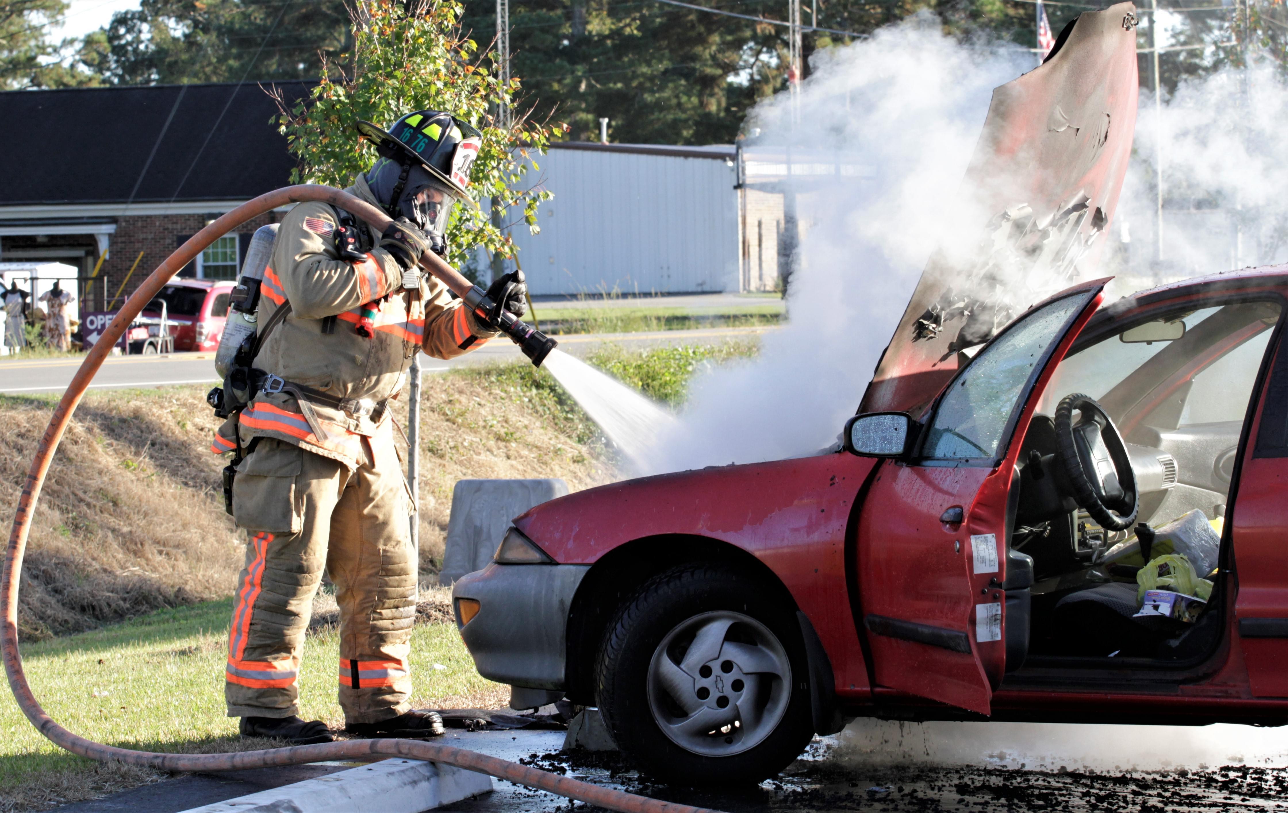 Firefighters Extinguish Vehicle Blaze (PHOTOS)