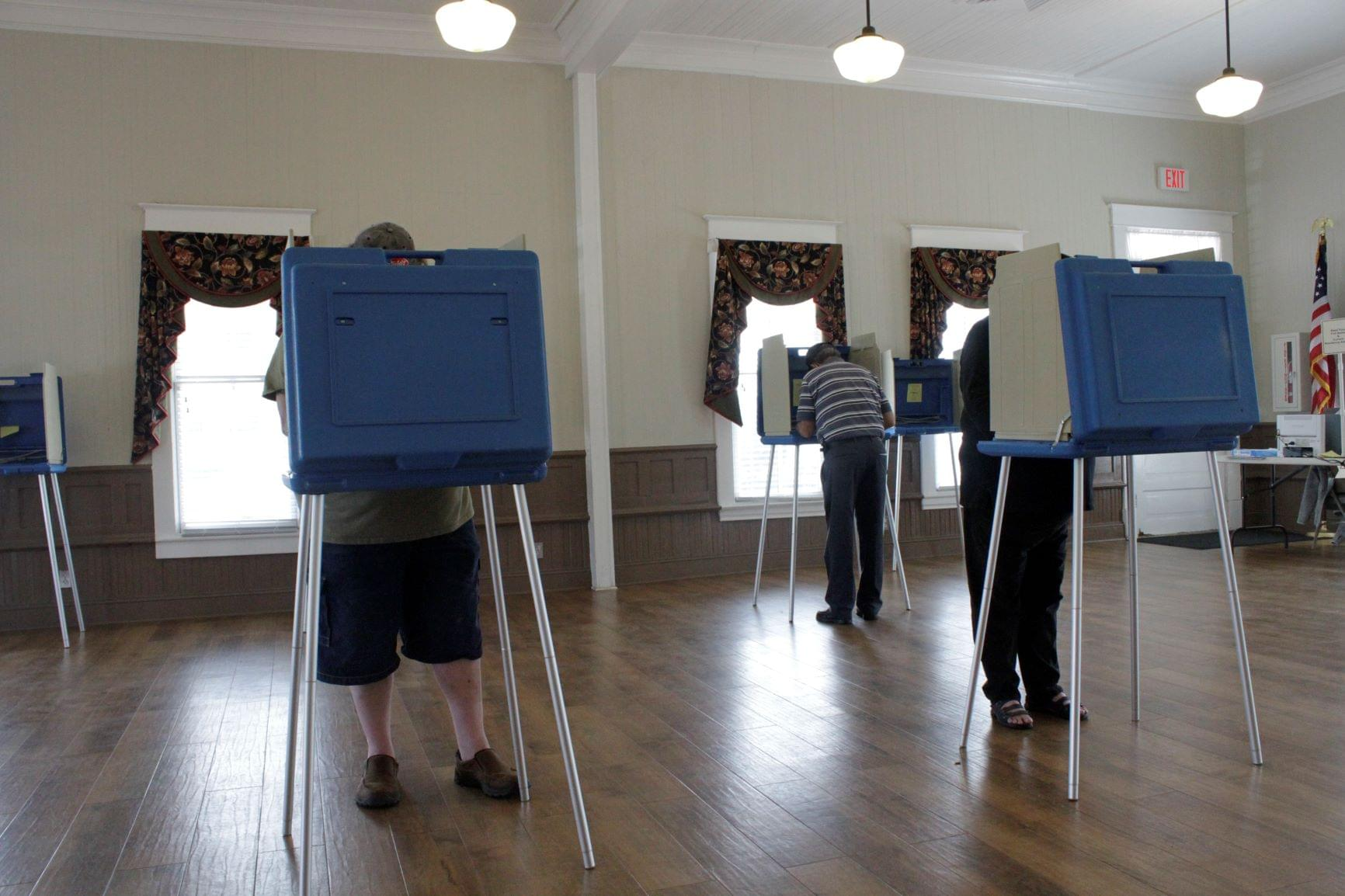 Thousands Flock To Early Voting Sites