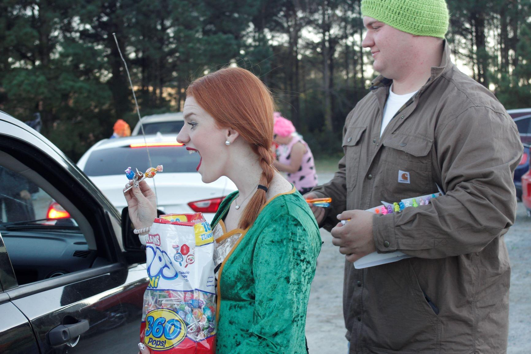 Food Pantry Hosts Trunk-Or-Treat (PHOTO GALLERY)