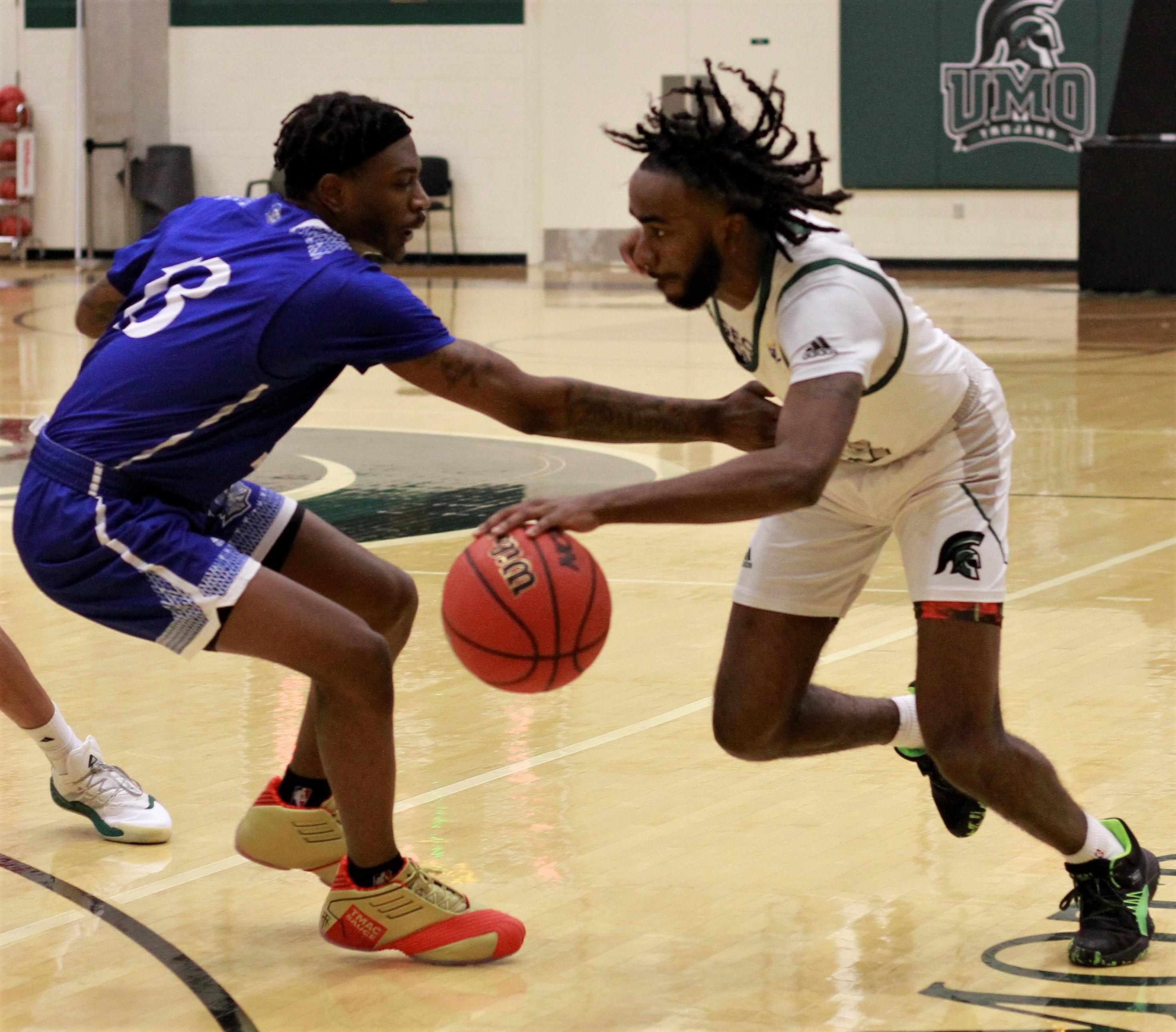 Men's Basketball: Southern Wesleyan Vs. UMO (PHOTO GALLERY)
