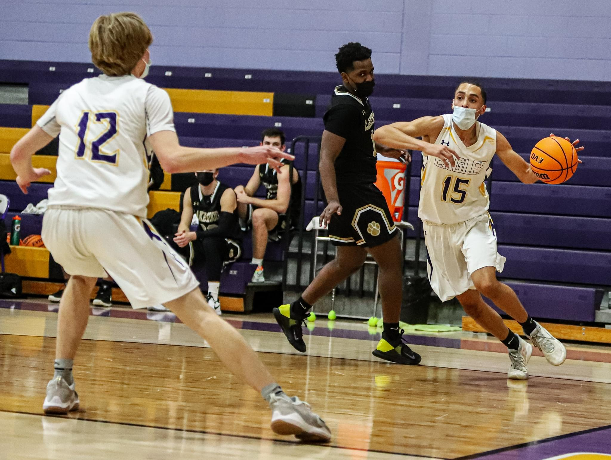 Boys Basketball: Rosewood Holds Off Lakewood (PHOTO GALLERY)