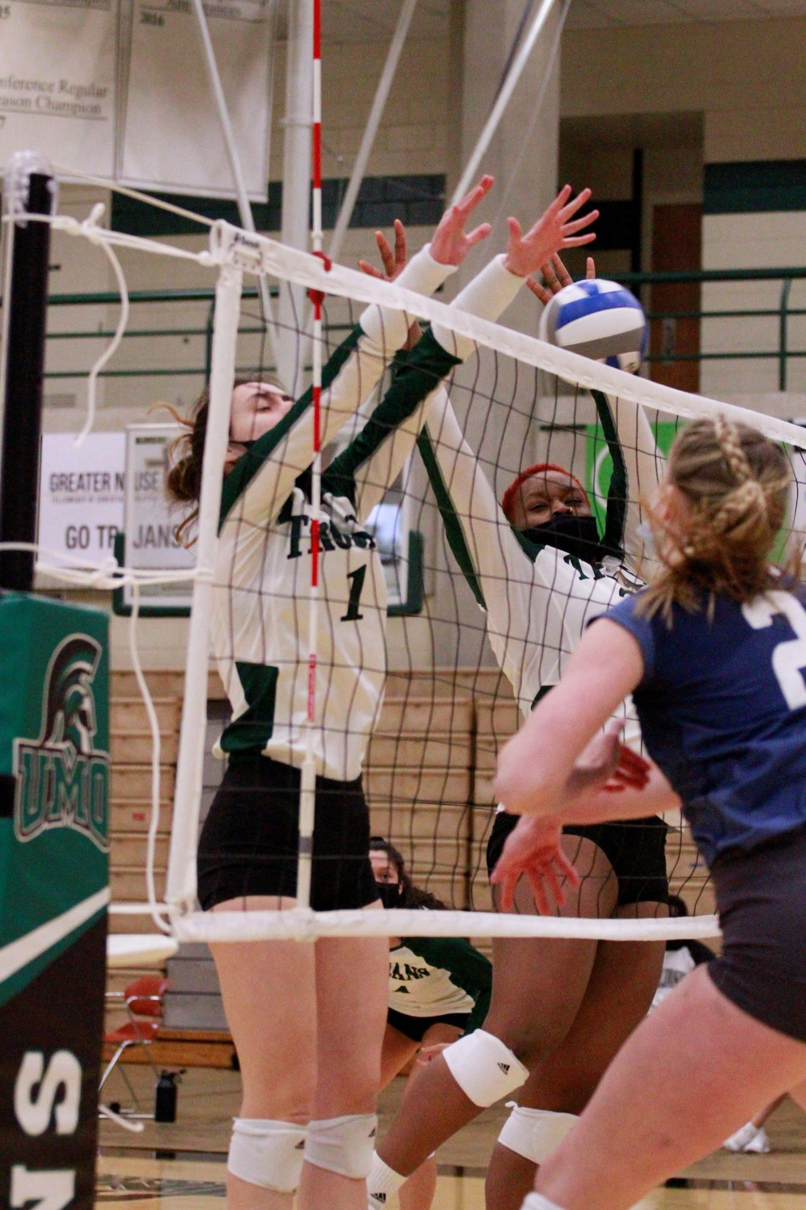 Women's Volleyball: King University At UMO (PHOTO GALLERY)