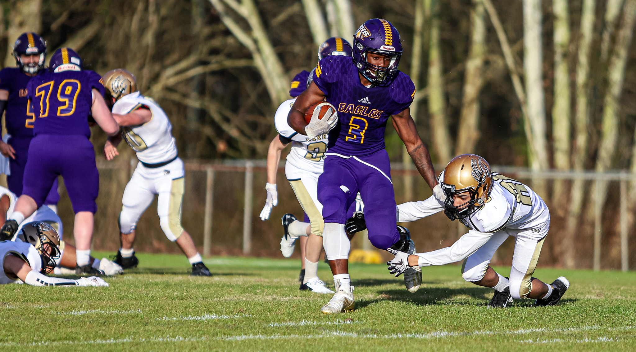 Football: Rosewood Soars Over Lakewood (PHOTO GALLERY)