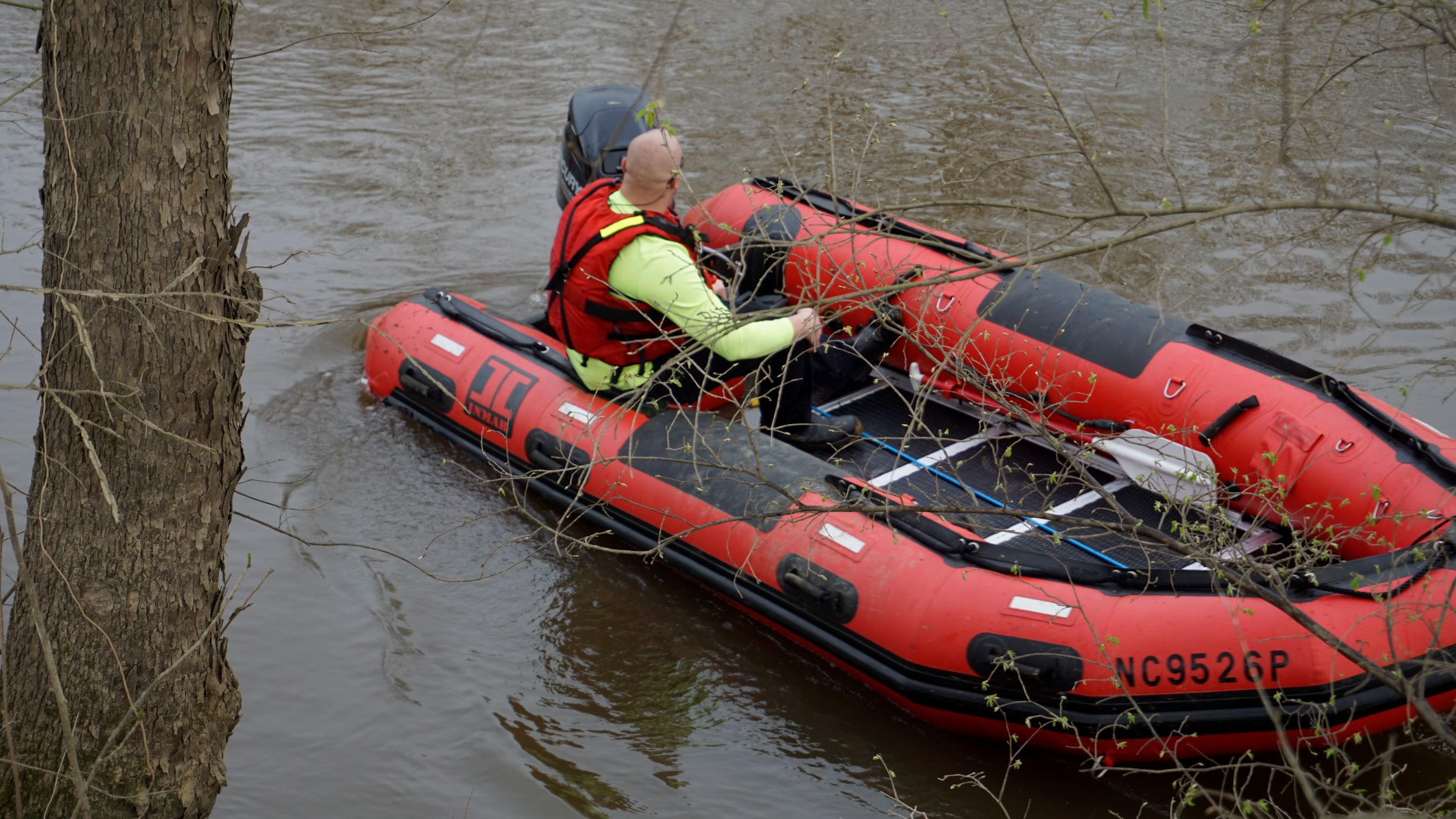 Body Of Missing Child Found In Neuse River, Search Continues For Father