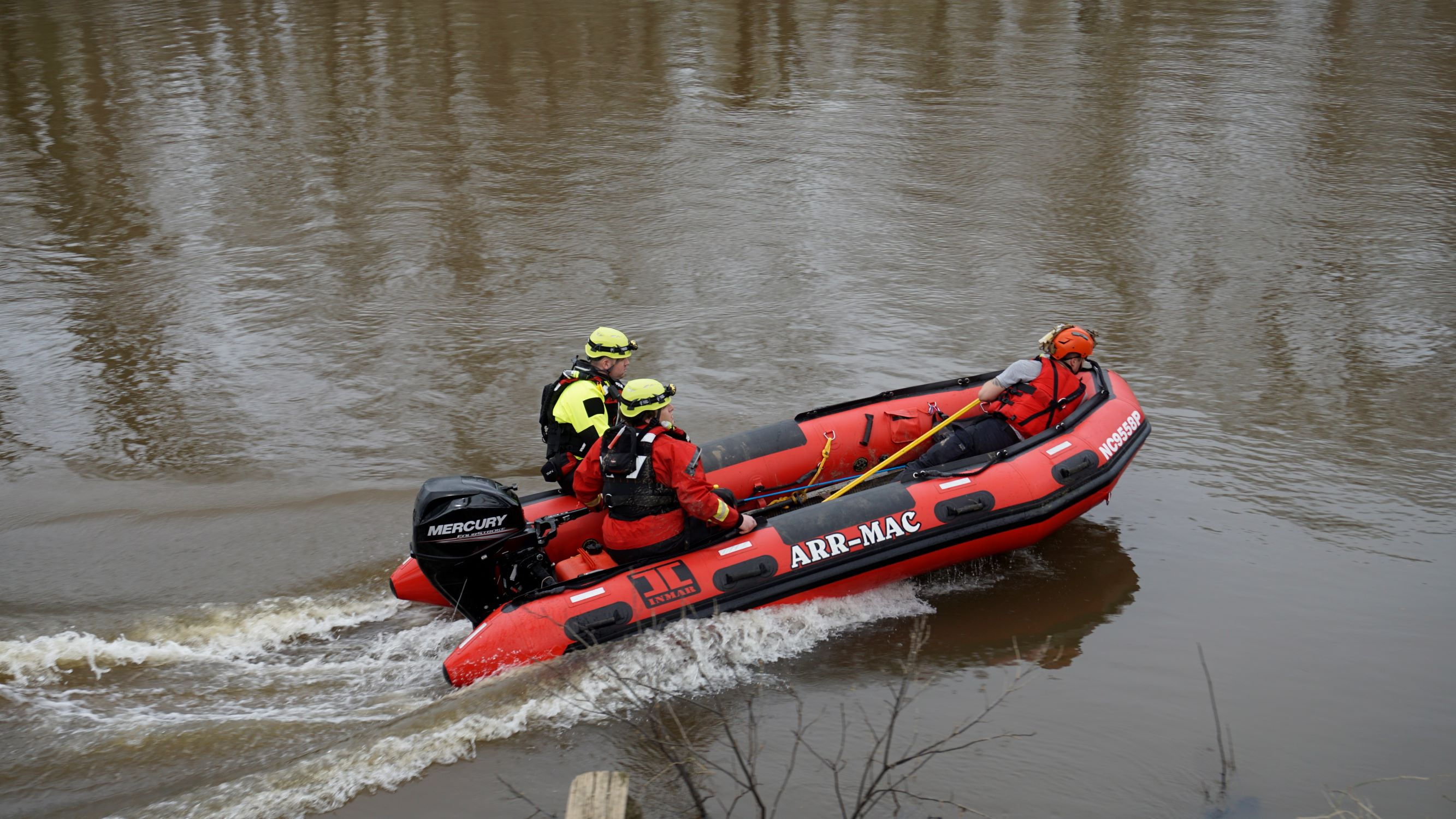 1 PM UPDATE: Crews Still Searching River For Missing Father & Son (PHOTOS)