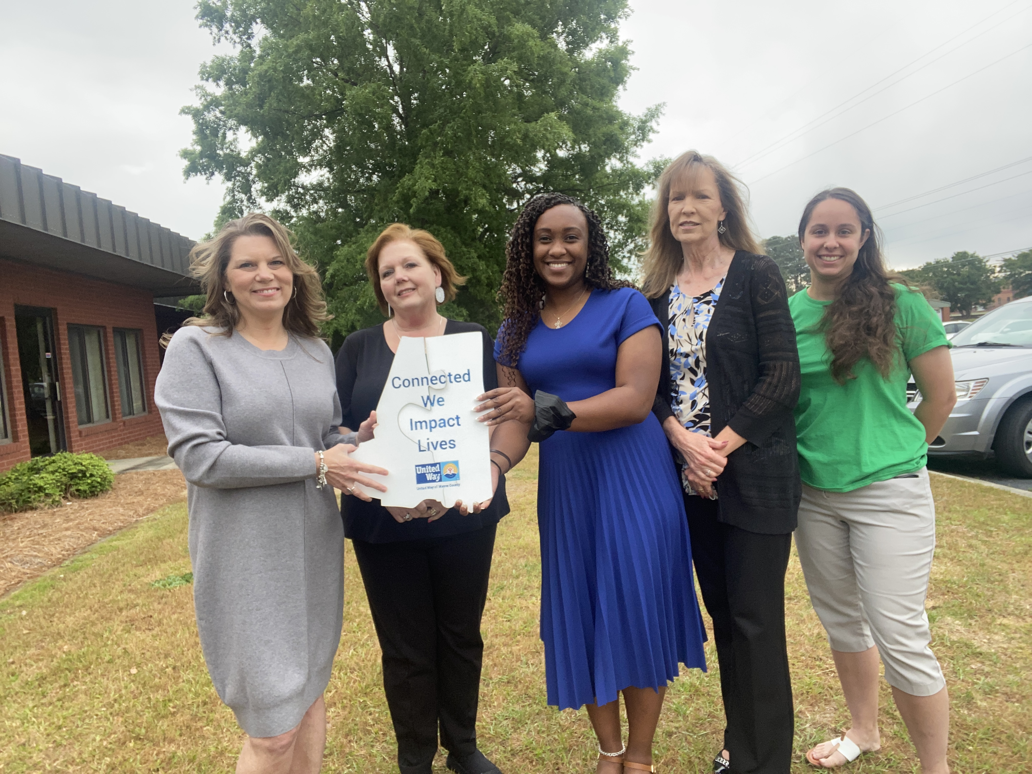 UNITED WAY: Connections Improve Lives