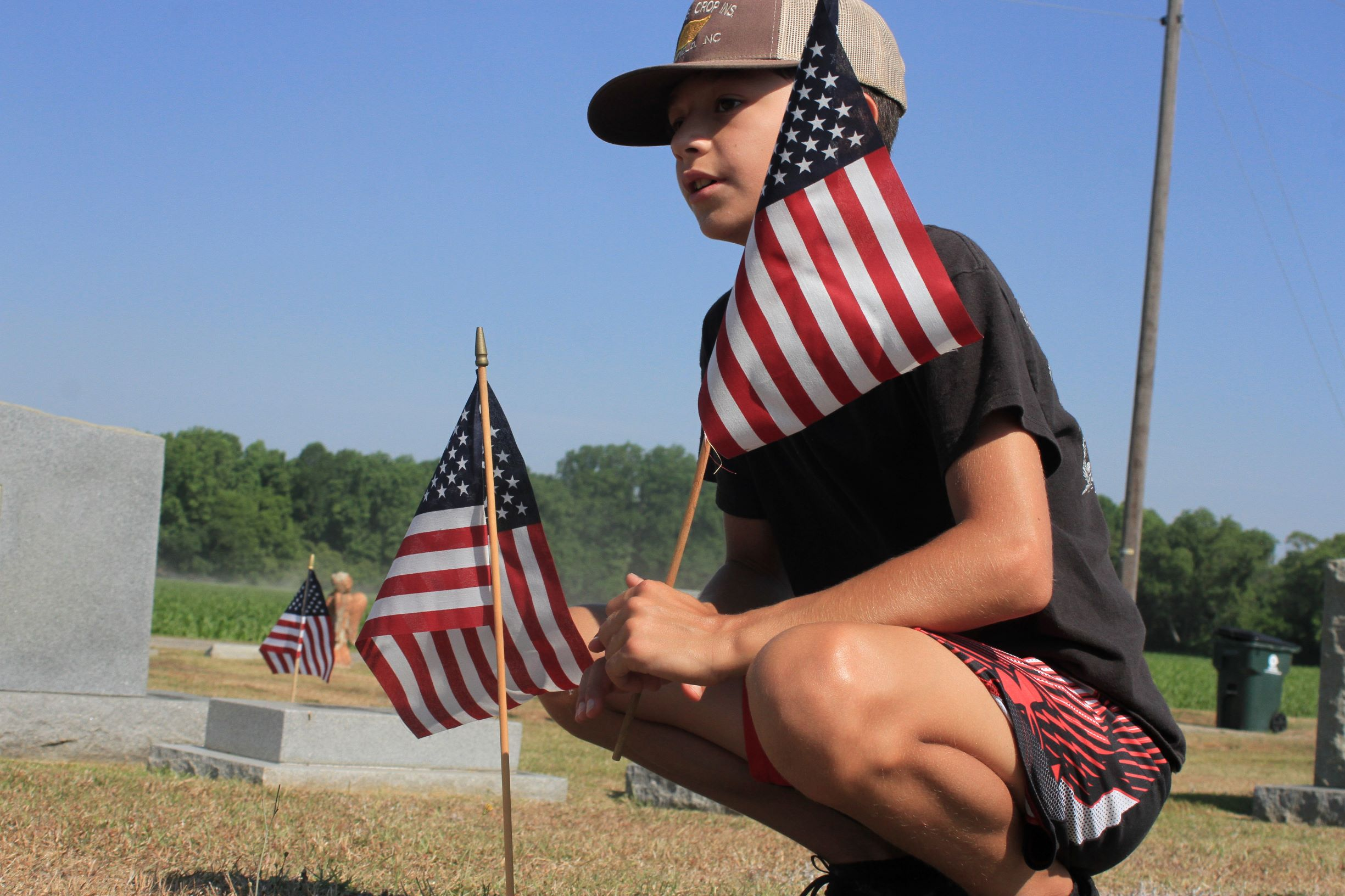 Post 541, Volunteers Place Flags In Pikeville Cemetery (PHOTO GALLERY)