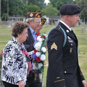 Veterans Memorial Ceremony At Maplewood Cemetery (PHOTO GALLERY)