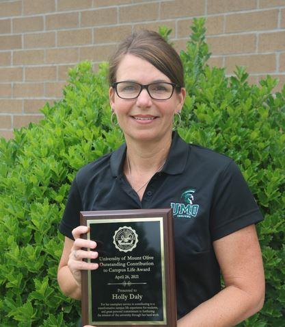 UMO's Holly Daly Earns Award