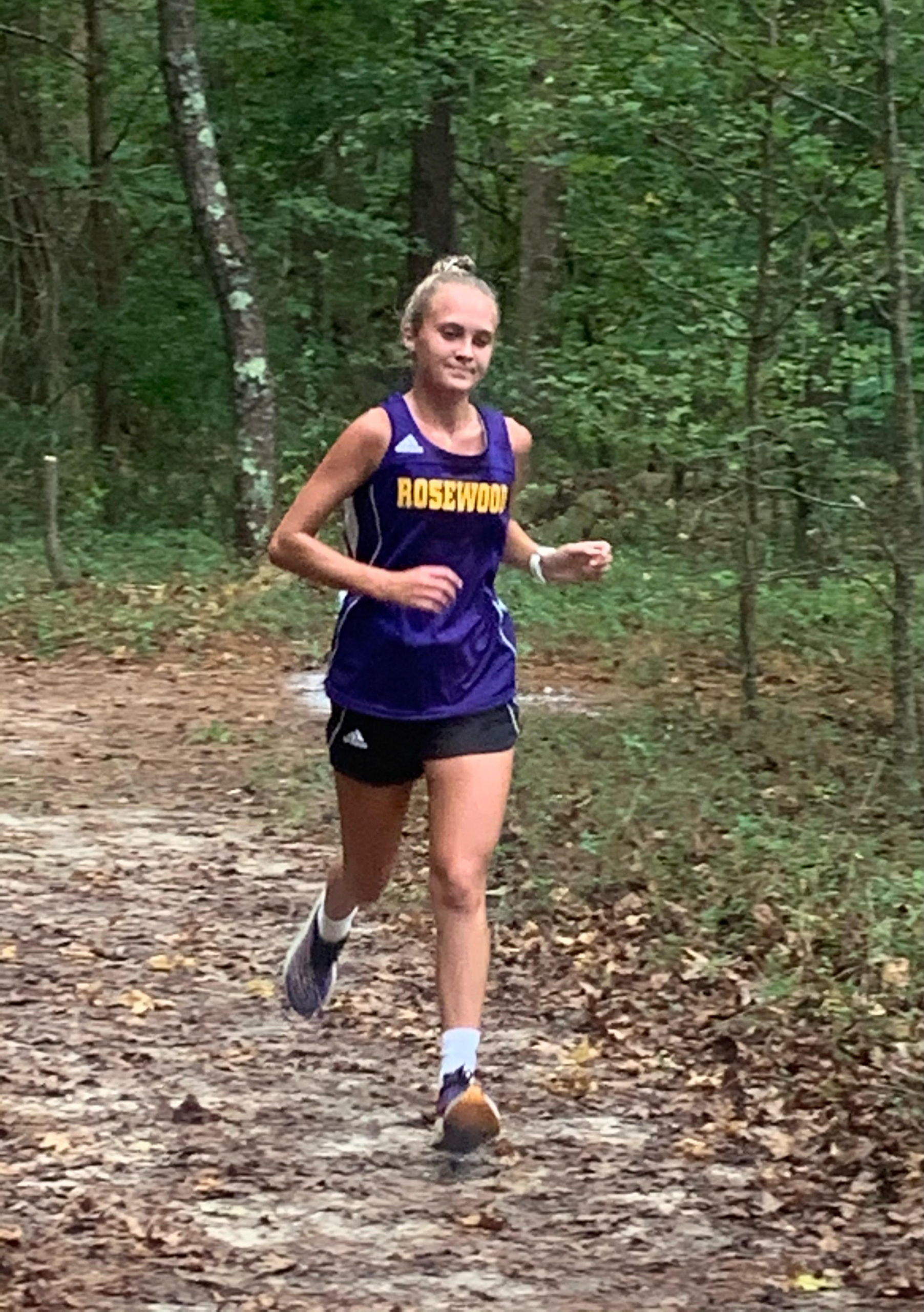 Cross Country: Amy Paces Rosewood Girls