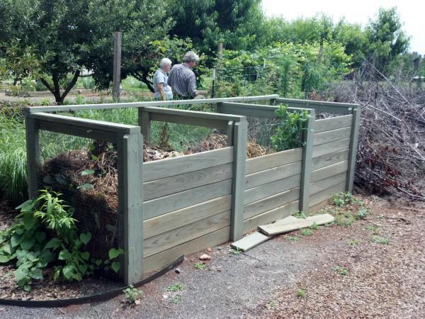 GARDENING TIPS: Backyard Composting