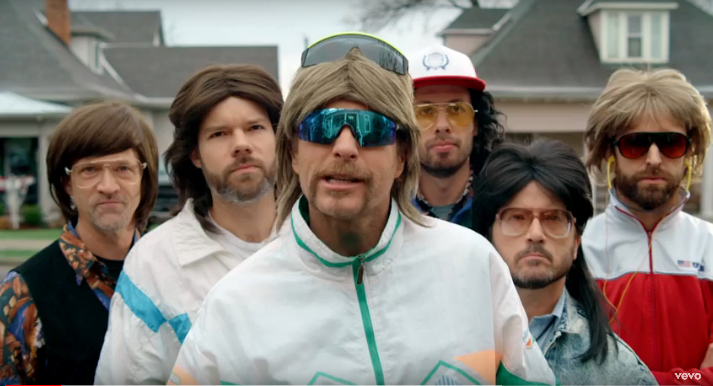 Dierks Bentley and His 90s Cover Band Releases New Music Video With Tiffani Thiessen and Travis Tritt [WATCH]